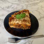Italiaanse hartige taart met gehakt en groenten